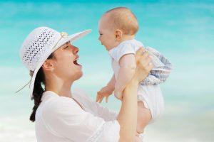 איך מעודדים - התפתחות תינוקות תקינה